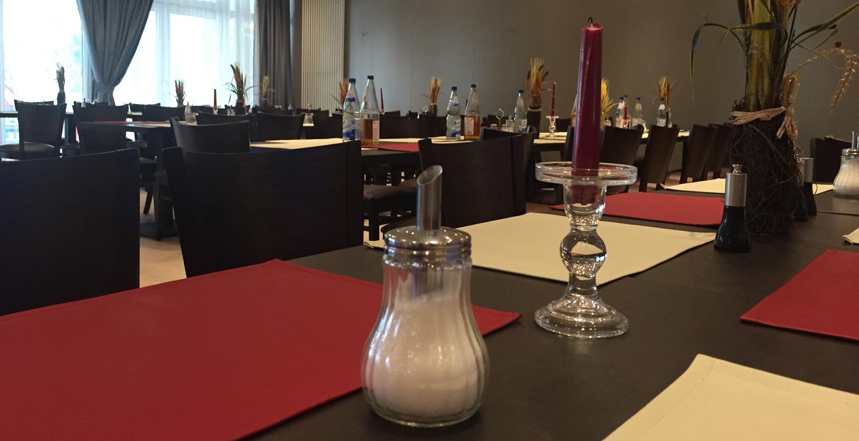 Speisesaal bei einer Präsenzveranstaltung